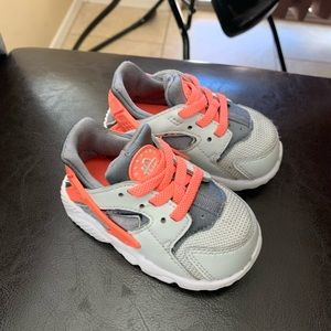 Infant Nike huaraches